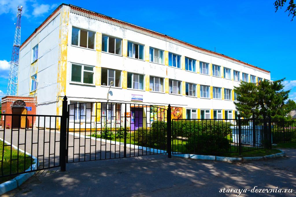 Дом постарелых в селе Кременки.