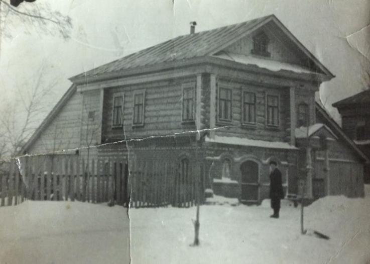 Дом Белоголовцева И.А., построенный своими руками в 1961 году.