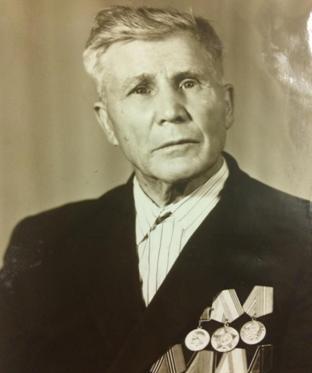председатель колхоза Активист П.В.Козлов